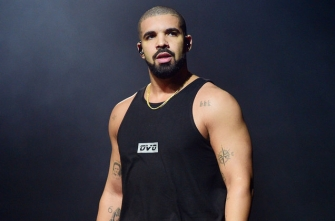 Drake Teases New Track During Concert