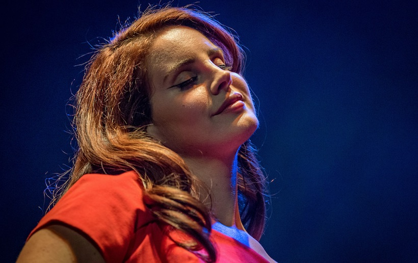 "Lana Del Rey Surprises with ""Love"" During SXSW Performance"